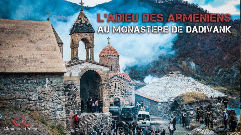 #UrgenceArtsakh . L'adieu des Arméniens au monastère de Dadivank.