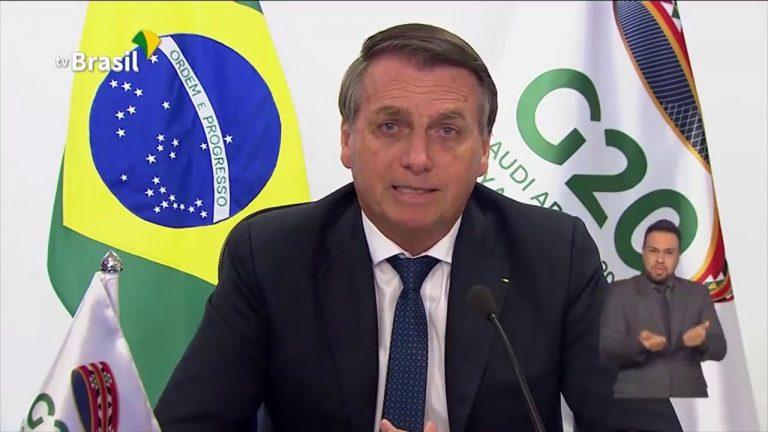 Jair Bolsonaro. « Certains tentent de détruire l'unité du Brésil en y important des conflits inter-raciaux, via de soi-disant combats pour l'égalité et la justice sociale »
