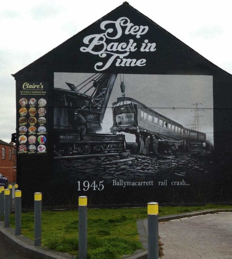 Belfast. Une fresque pour commémorer la catastrophe ferroviaire de Ballymacarrett (1945)