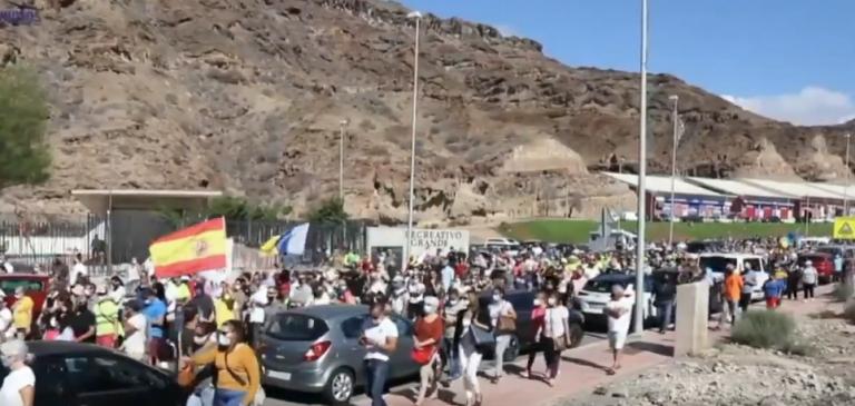 Invasion de migrants aux îles Canaries : la population commence à se révolter, un maire lance un ultimatum au Gouvernement