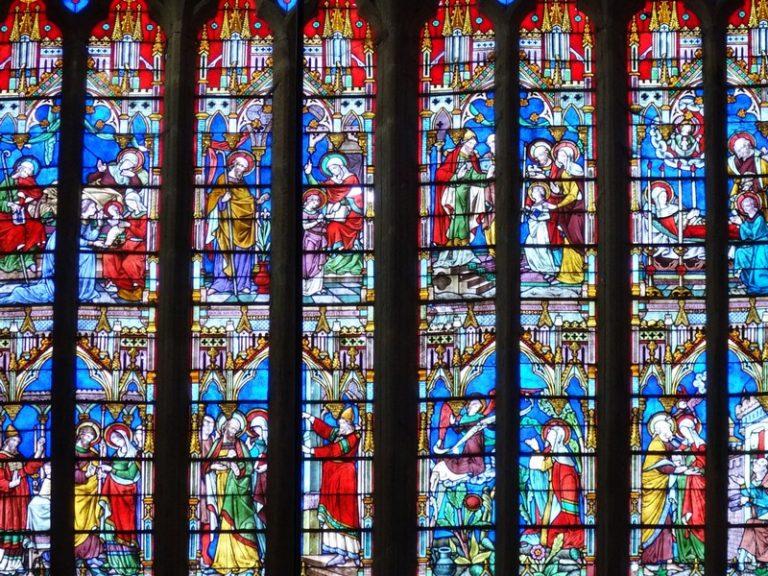 La Lumière des siècles, où l'art du vitrail en Bretagne