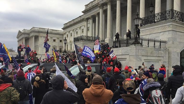 Incidents du 6 janvier au Capitole américain: le médecin légiste esquive encore