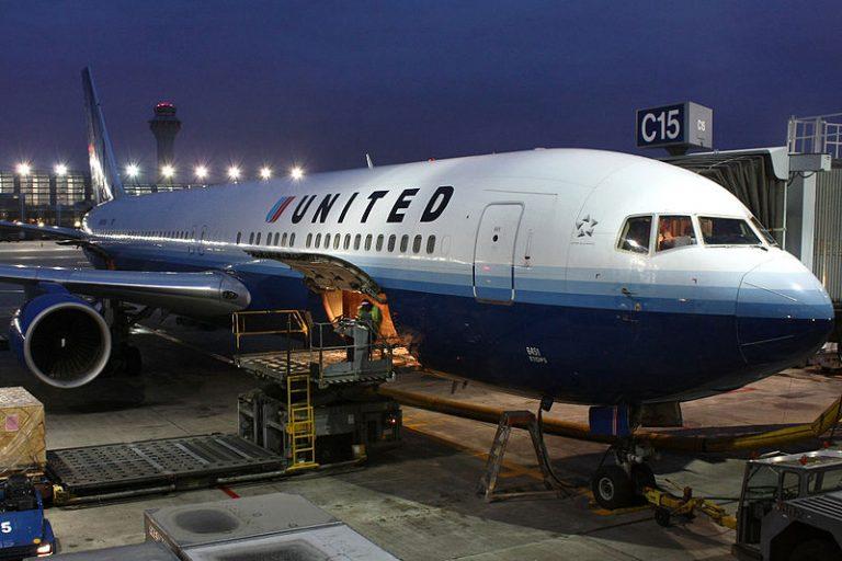 Compagnies aériennes. Le PDG d'United Airlines favorable au vaccin obligatoire pour ses employés