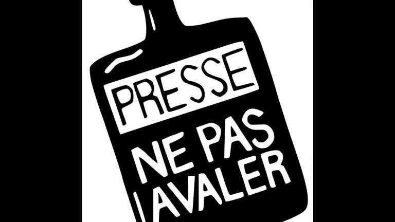 Paris. Étudiante en école de journalisme, une jeune Kabyle subit la censure et la pression de sa direction et des autres élèves