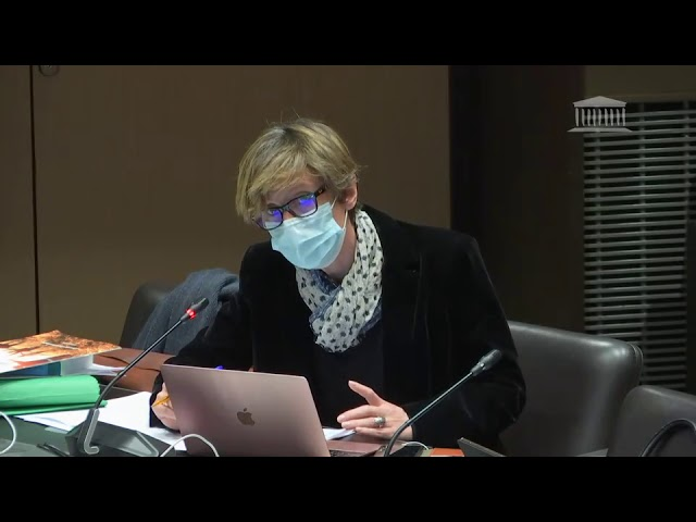 Emmanuelle Ménard défend l'instruction en famille