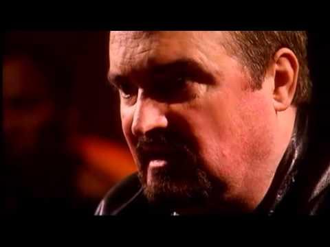 Irlande du Nord. Libération de Michael Stone, loyaliste auteur de l'attaque du cimetière de Milltown (Belfast)