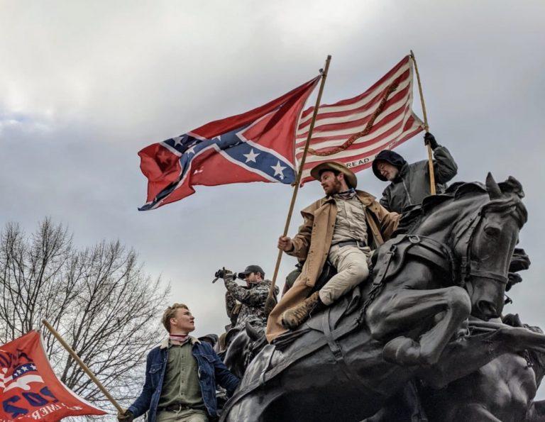 Vers un Printemps américain ? Des pro-Trump envahissent le Capitole, quatre manifestants tués – Sous pression, Donald Trump renonce