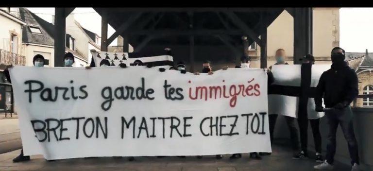 « Paris, garde tes immigrés. Breton maître chez toi ». Après la violente agression à Ploërmel, de jeunes bretons manifestent