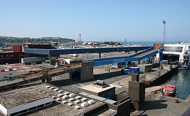 Crise en Irlande du Nord. Le personnel portuaire exerce son droit de retrait en raison de menaces loyalistes