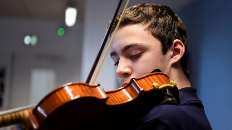Saint-Nazaire. Le jeune Ivan Maciuca obtient un prix en violon
