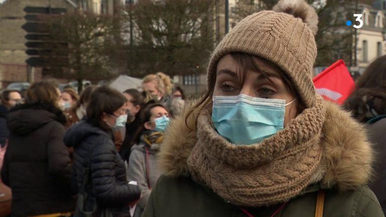 Manifestation pour l'accueil des bébés en crèche : les puéricultrices ont besoin de bras et de temps