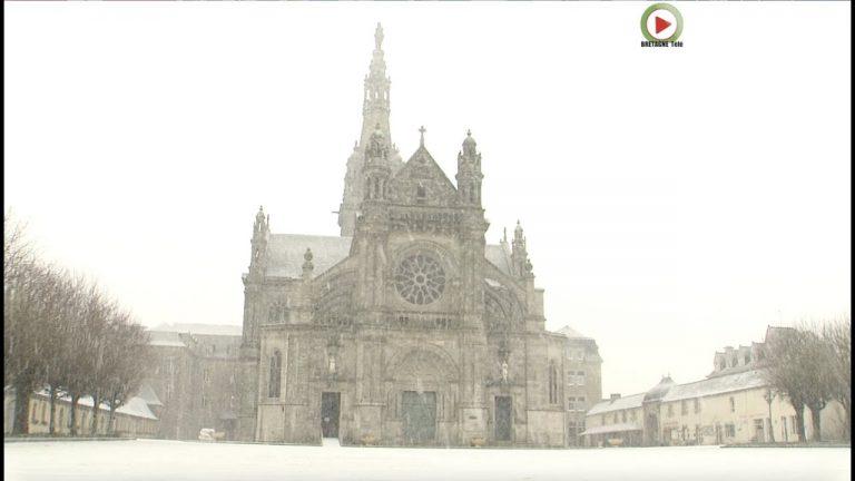 Sainte-Anne d'Auray. Neige à la basilique