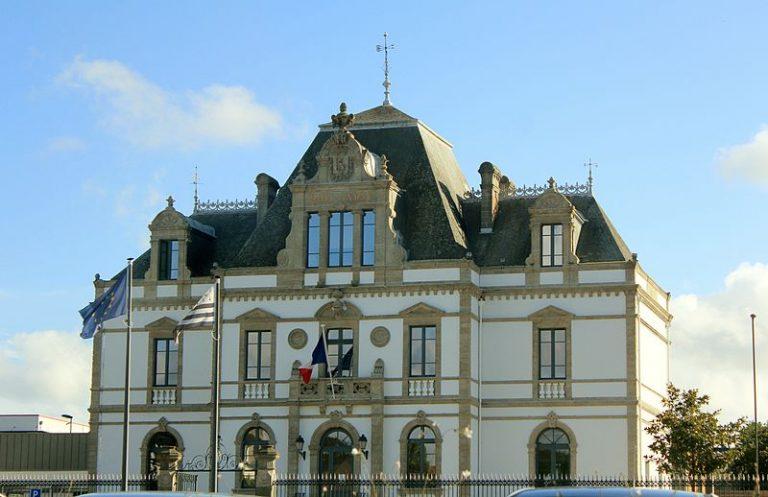 Ploërmel. Se tenant dans un collège catholique, le conseil municipal déménage suite à des pressions « laïques »