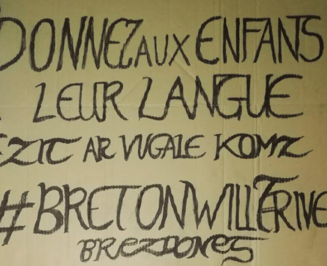 Entre 4000 et 5000 manifestants à Quimper pour les langues de Bretagne