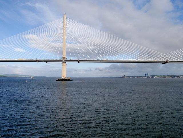 Lancement d'une étude de faisabilité pour la construction d'un pont entre Ecosse et l'Irlande