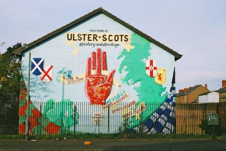 Irlande du Nord. Des habitants admettent vivre dans la peur après les violences
