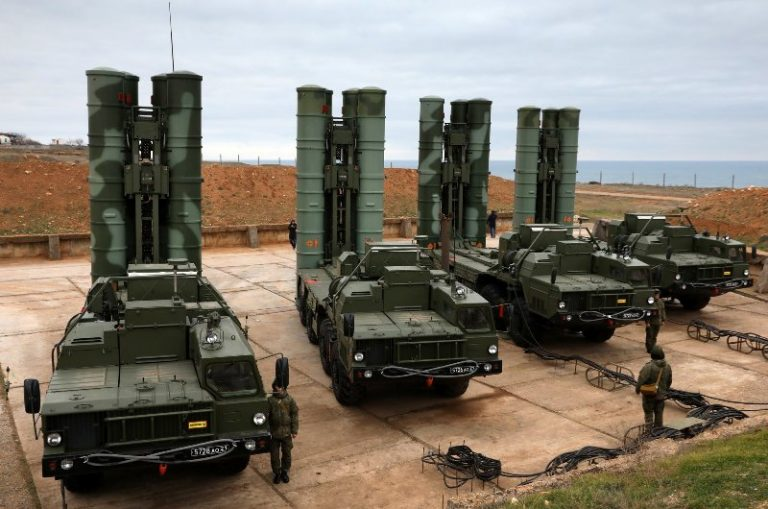 L'Inde continuera à acheter des armes russes malgré les menaces de sanctions américaines
