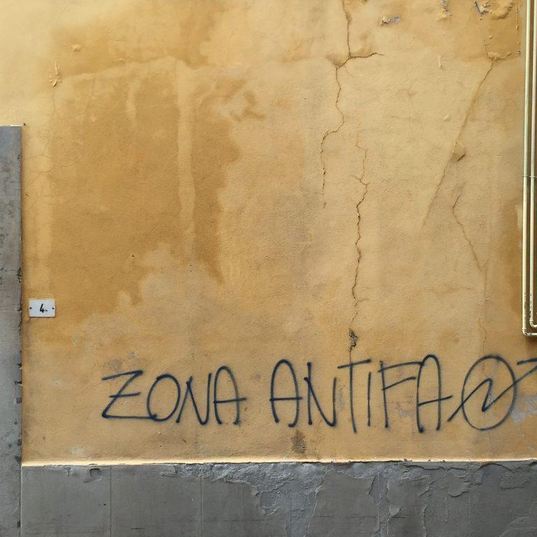Saint-Nazaire. Fracture ouverte pour un militant du RN tabassé par des antifas [MAJ]