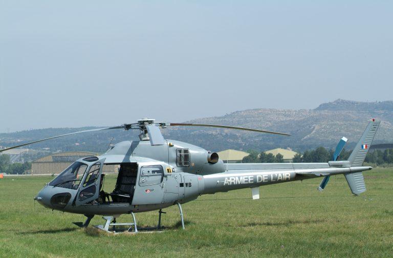 Mesures radiologiques : un hélicoptère Fennec de l'armée de l'Air et de l'Espace survolera Brest et l'Ile Longue à basse altitude