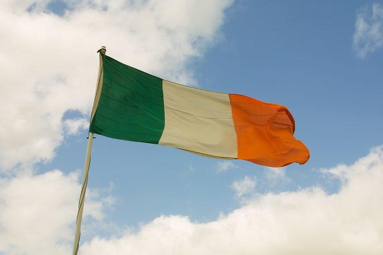 Réunification de l'Irlande. Une majorité d'élus prêts à accepter de changer de drapeau ?