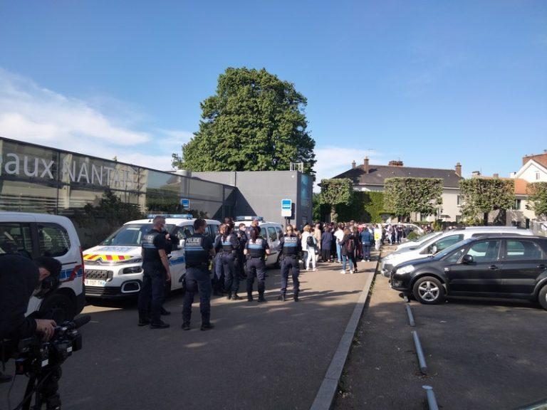 L'hommage silencieux des policiers nantais à leur collègue de Rambouillet assassinée par un islamiste