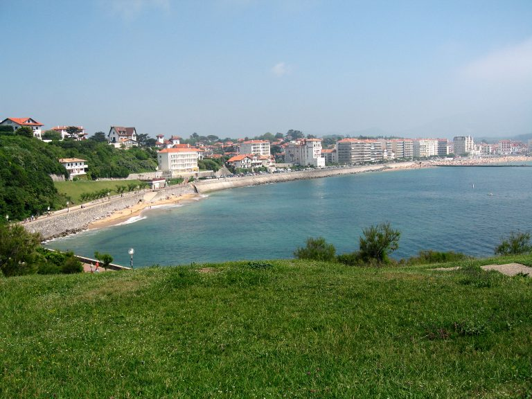 Ajañsoù-tiez aloubet e Bro-Euskadi