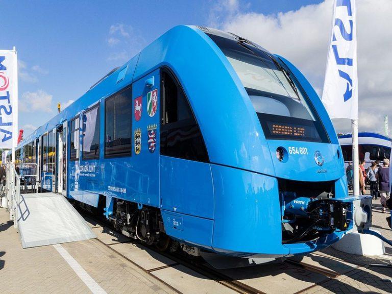 Trains TER à hydrogène : une vitrine industrielle, écologique et politique chèrement payée ?
