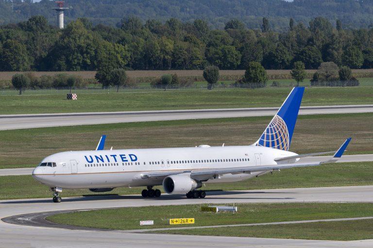 États-Unis. United Airlines : la moitié du recrutement de nouveaux pilotes visera désormais les femmes et les non-Blancs