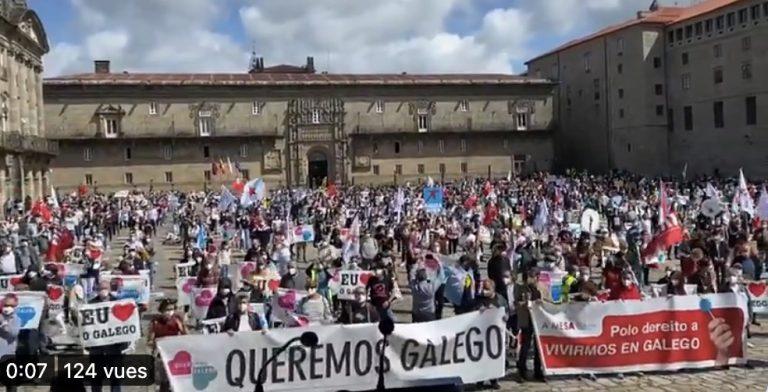 Sant-Jakez de Compostella: 2500 manifestour evit ar yezh
