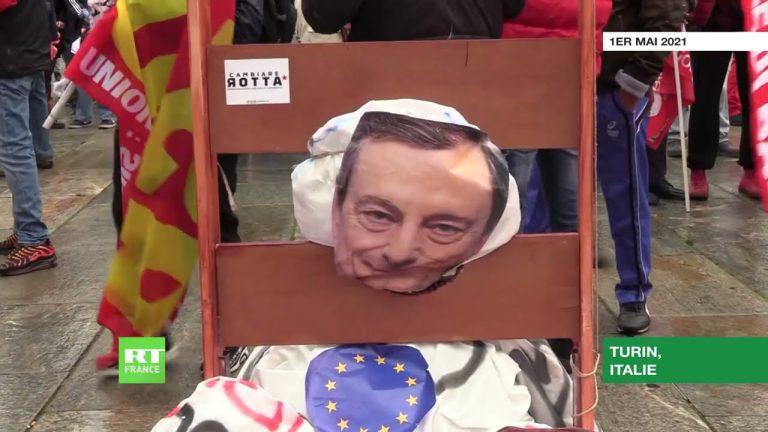 1er-Mai : des manifestants installent une guillotine à l'effigie de Mario Draghi en Italie