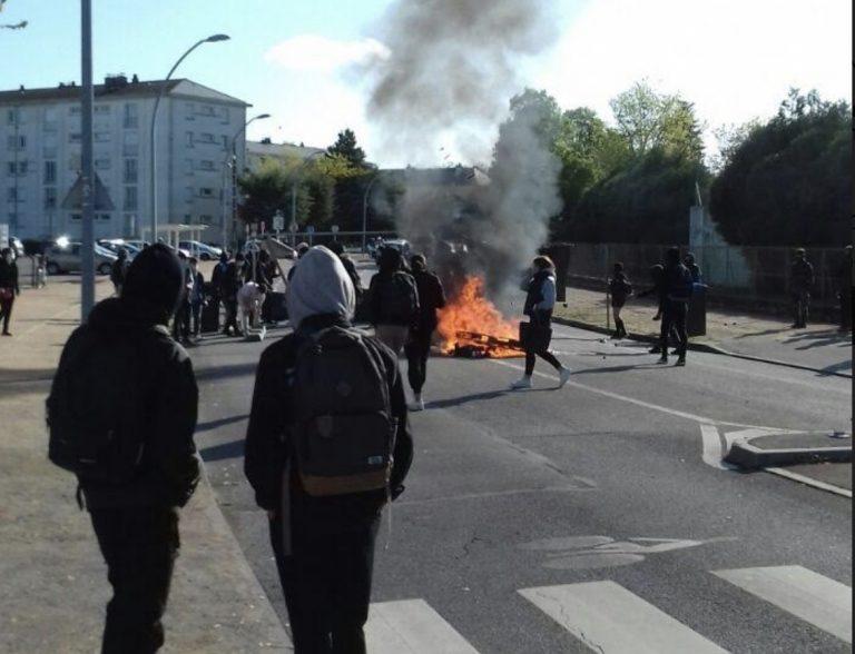 Mouvement contre le BTS et le bac : lycées bloqués à Nantes, police attaquée à Saint-Nazaire