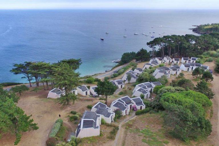Tourisme en Bretagne. Ouverture de 8 VVF