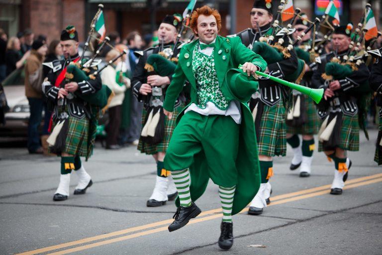 Les deux Irlandes et la diaspora. Anne Groutel évoque ces 70 millions d'Irlandais qui vivent ailleurs dans le monde [Interview]