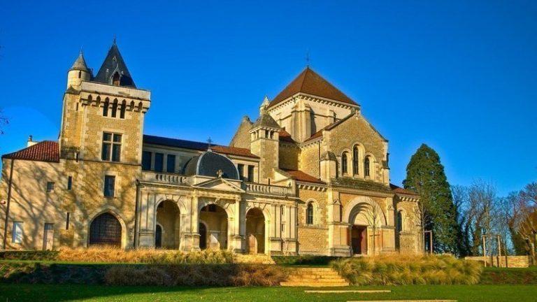 La Fraternité Sacerdotale Saint Pierre de Dijon menacée d'expulsion par le Diocèse ?