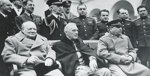 D-Day : Churchill plus populaire que de Gaulle sur le web