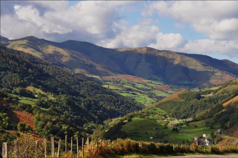 Ar «Via Pirenenca» etre euskariz ha katalaniz e miz gouere