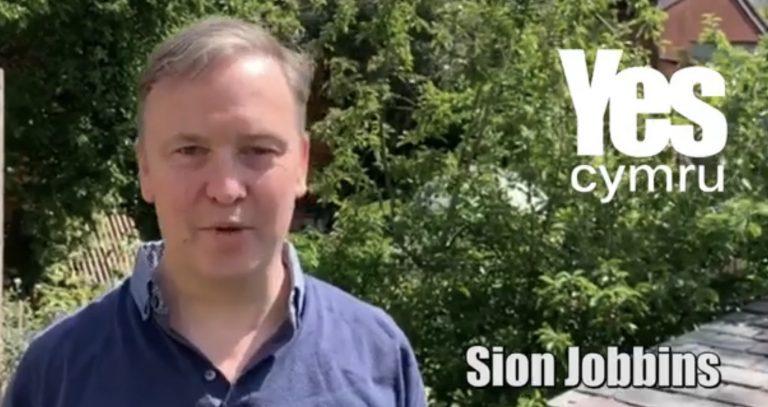 Yes Cymru: Siôn Jobbins a ro e zilez (abalamour d'ar wokisted ?)