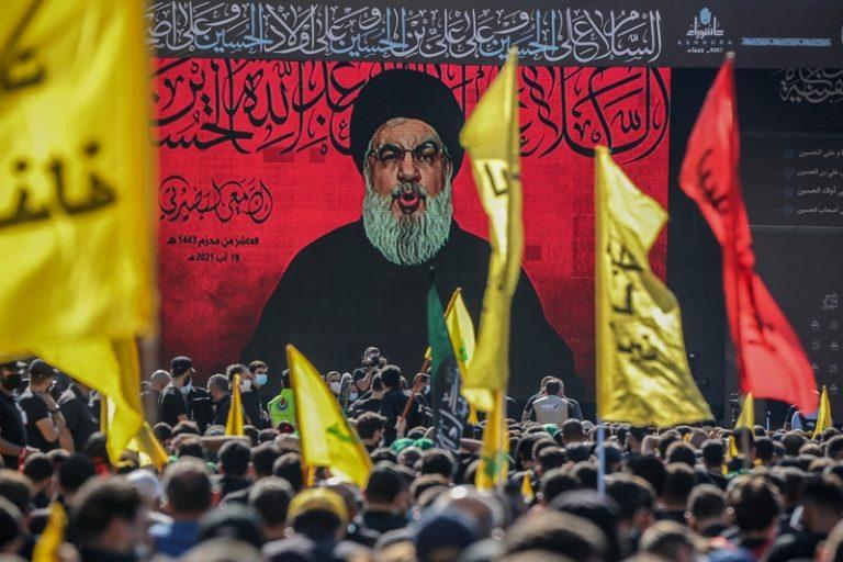 Le Hezbollah se renforce au Liban dans un contexte de crise énergétique, en organisant des livraisons de pétrole depuis l'Iran.