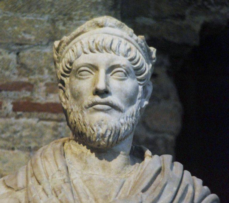 Angleterre. Une pièce de monnaie datant de l'empereur romain Julien l'Apostat identifiée