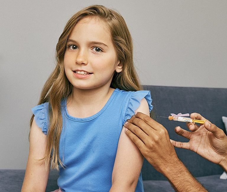 Covid-19. Une vaccination 6 fois plus dangereuse que le virus pour les garçons de 12 à 15 ans ?